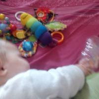 DIY - Babyspielzeug: Die Erlebnisflasche
